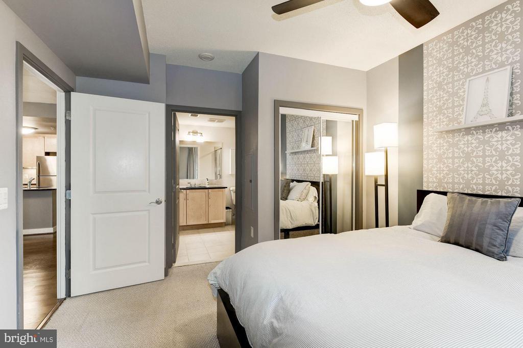 Bedroom (Master) - 888 QUINCY ST #1107, ARLINGTON