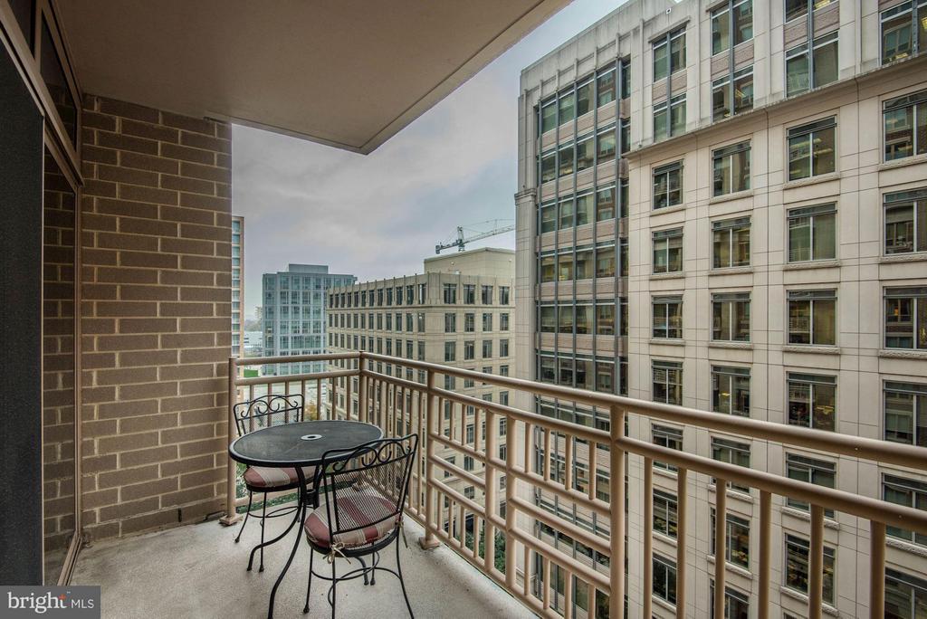 Balcony - 888 QUINCY ST #1107, ARLINGTON