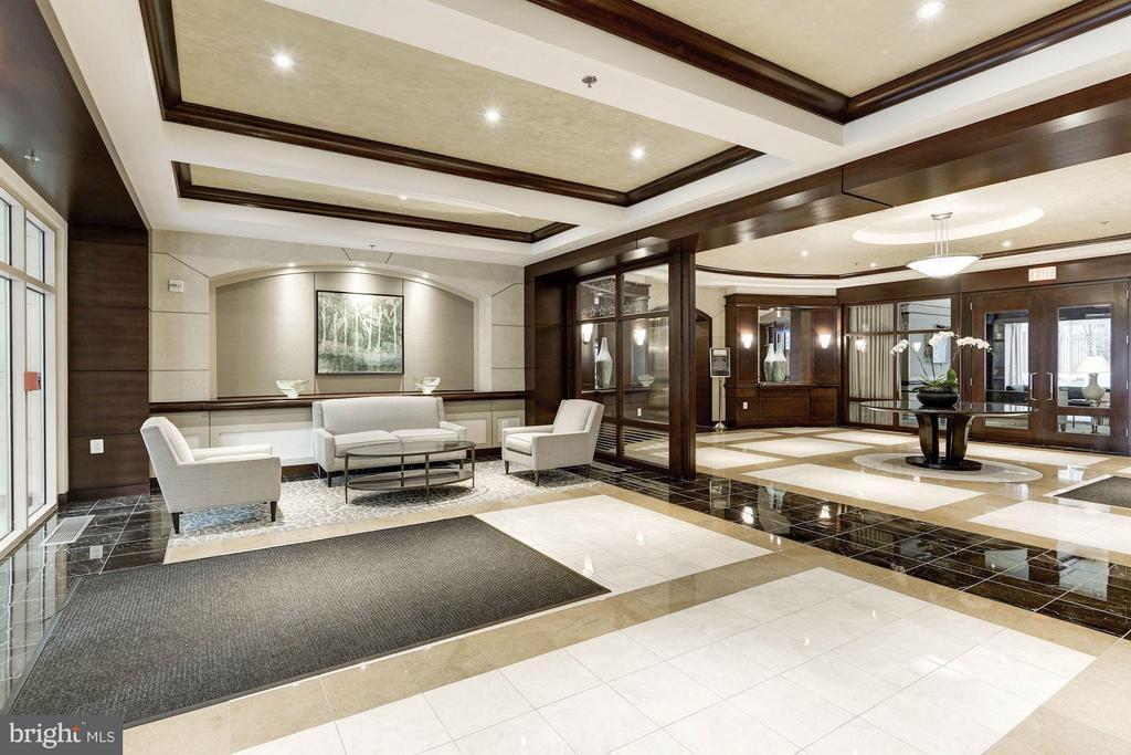 Lobby - 888 QUINCY ST #1107, ARLINGTON