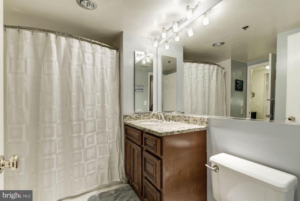 Bath (Master) - 1045 UTAH ST #2-106, ARLINGTON