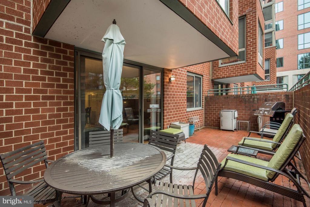 Huge Private Terrace - 1045 UTAH ST #2-106, ARLINGTON