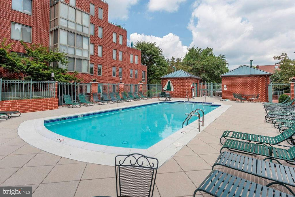 Community Pool - 1045 UTAH ST #2-106, ARLINGTON