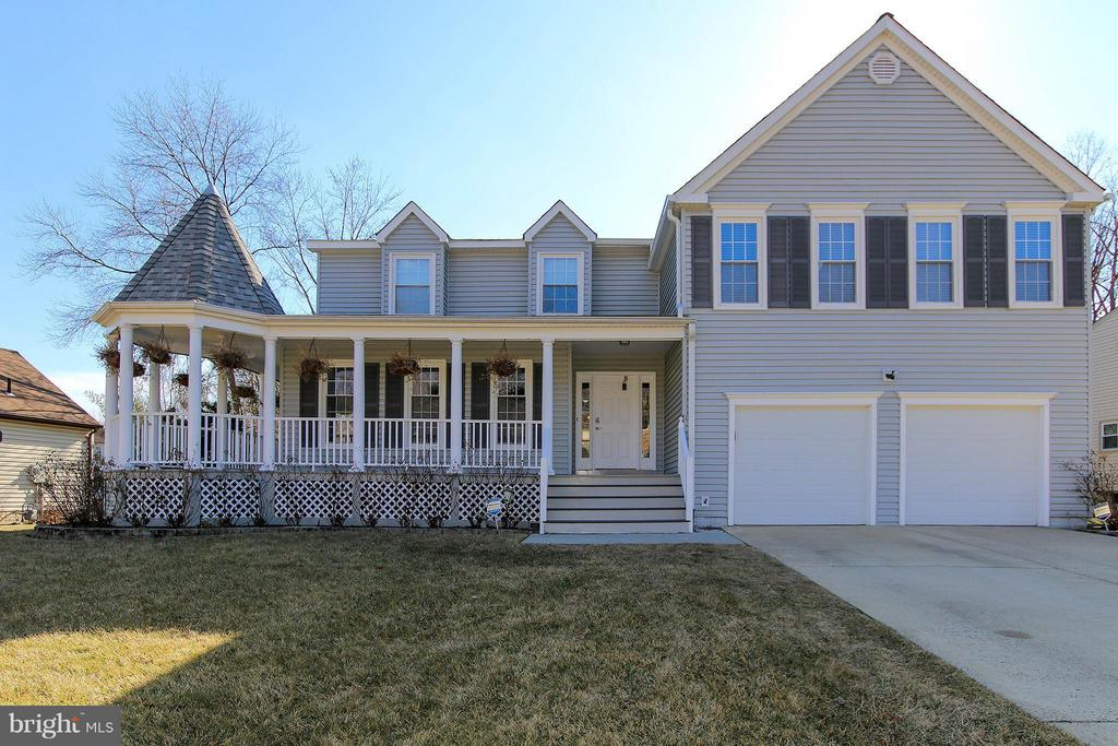 Spectacular, spacious home on quiet cul de sac - 17 LIPSCOMB CT, STERLING