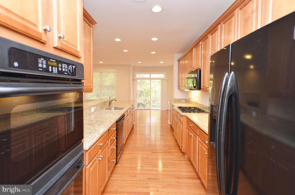 Kitchen - 4458 BLACK IRONWOOD DR, FAIRFAX