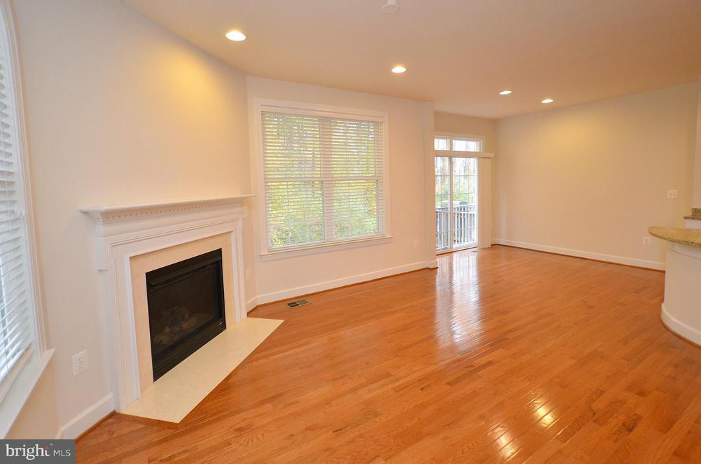 Family Room off kitchen - 4458 BLACK IRONWOOD DR, FAIRFAX
