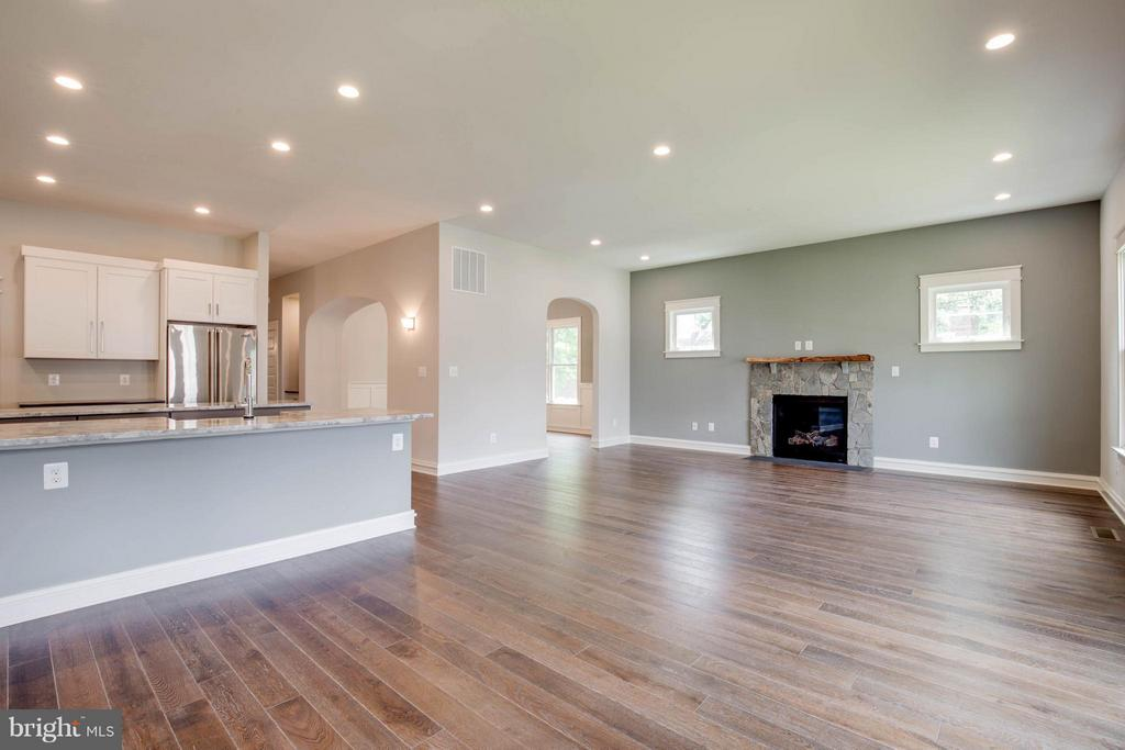 Stone Fireplace with Custom Mantle - 854 3RD ST, HERNDON