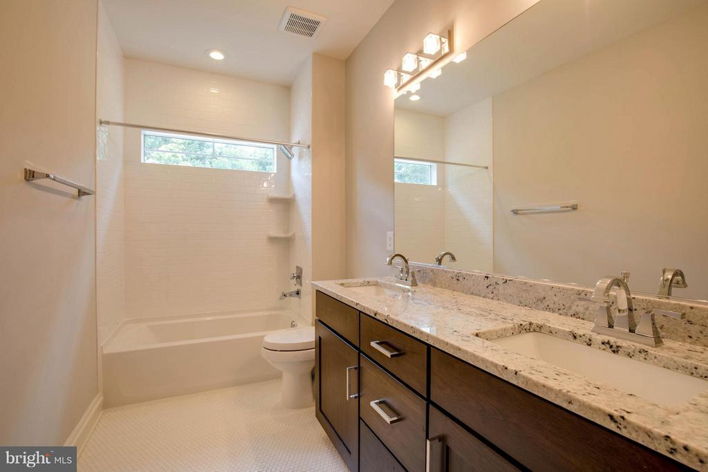 Hall Full Bath with Granite and Double Vanity - 854 3RD ST, HERNDON