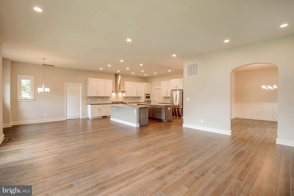 5 inch White Oak Hardwood Floors - 854 3RD ST, HERNDON