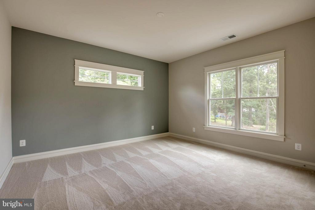Spacious 3rd Bedroom - 854 3RD ST, HERNDON