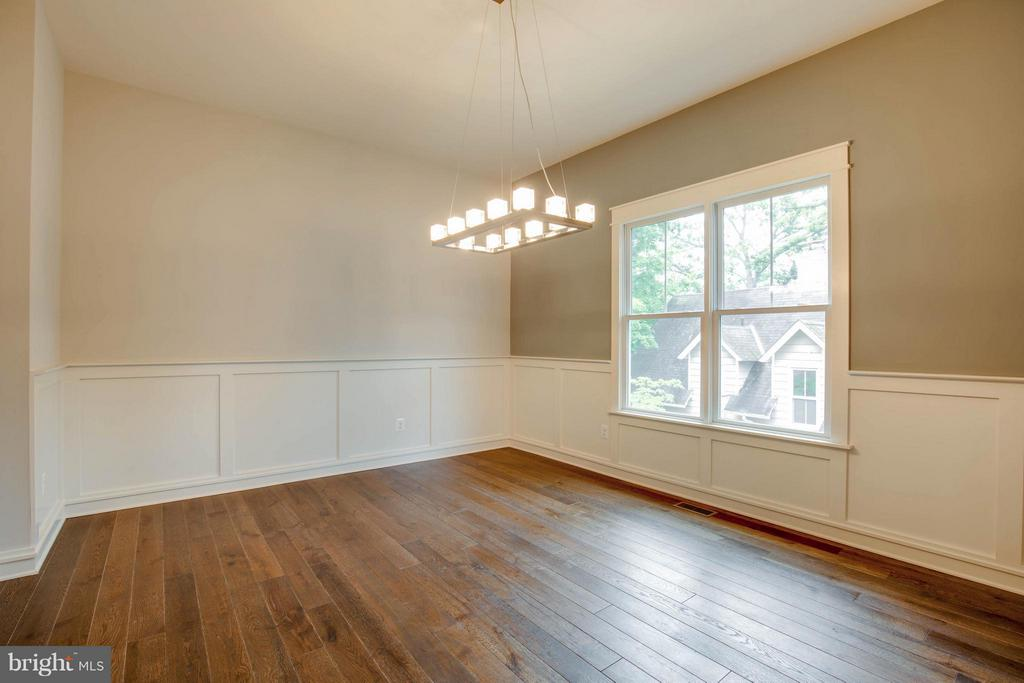 Dining Room with Custom Light Fixture - 854 3RD ST, HERNDON