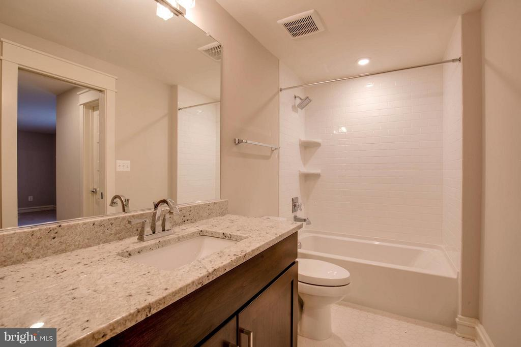 Basement Full Bath with Tile and Granite - 854 3RD ST, HERNDON