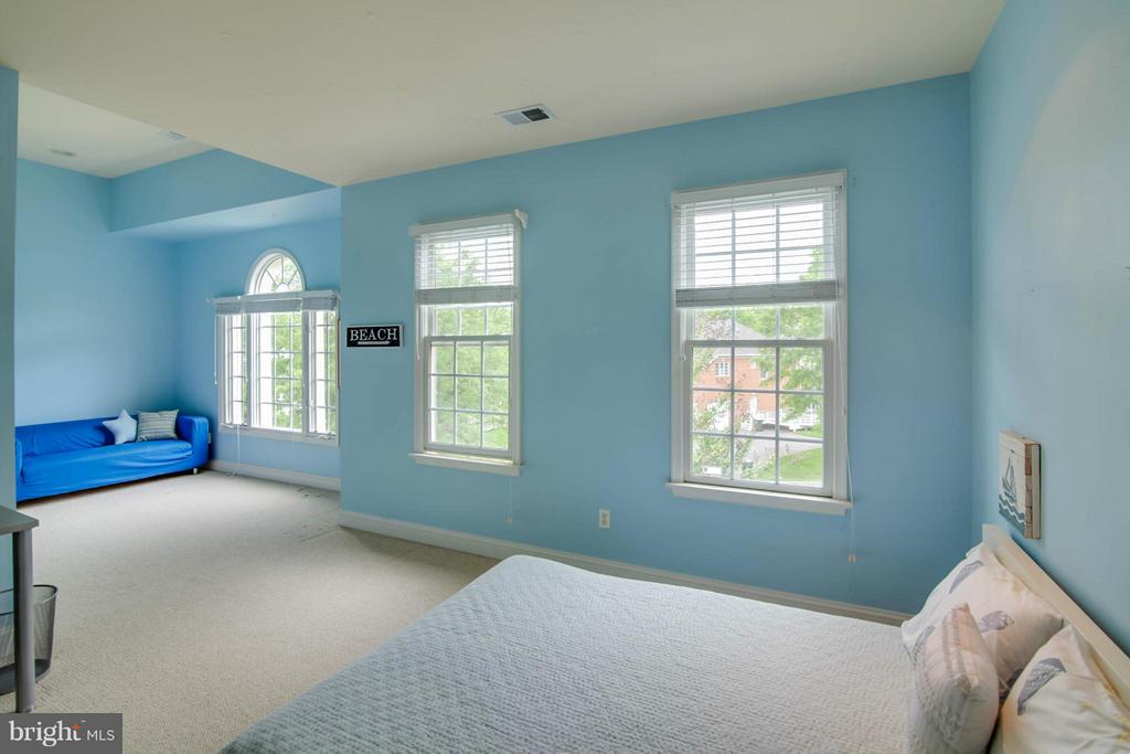 Bedroom Suite - 11597 CEDAR CHASE RD, HERNDON