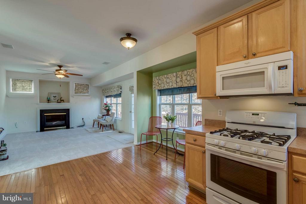 Kitchen - 15532 WINDWARD CT, DUMFRIES