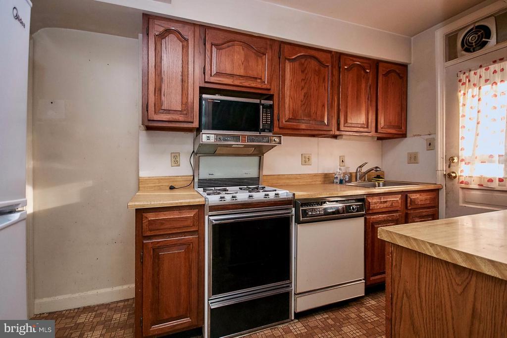 Kitchen - 304 GLEBE RD S, ARLINGTON
