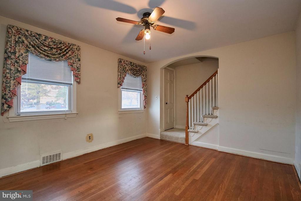 Living Room - 304 GLEBE RD S, ARLINGTON