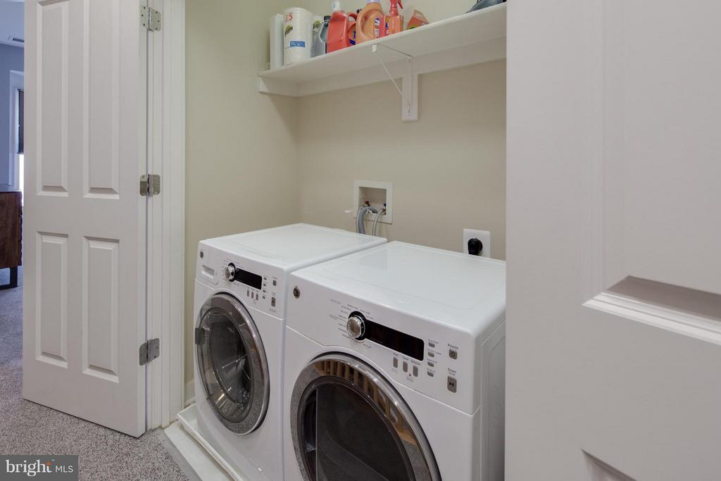 Bedroom Level Laundry w/ Front Loading Appliances - 2743 11TH ST N, ARLINGTON