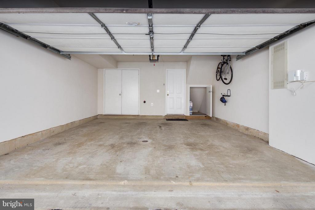 2 Car Garage w/ Separate Storage Area - 2743 11TH ST N, ARLINGTON