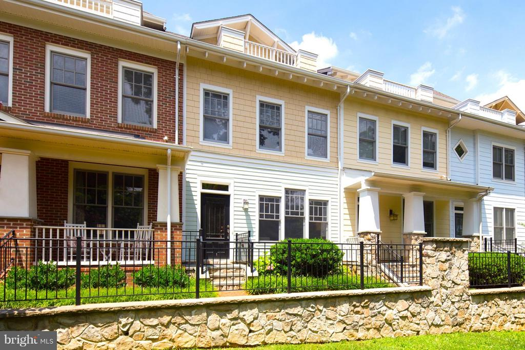 Arts and Crafts Inspired Townhome Fronting to Park - 2743 11TH ST N, ARLINGTON