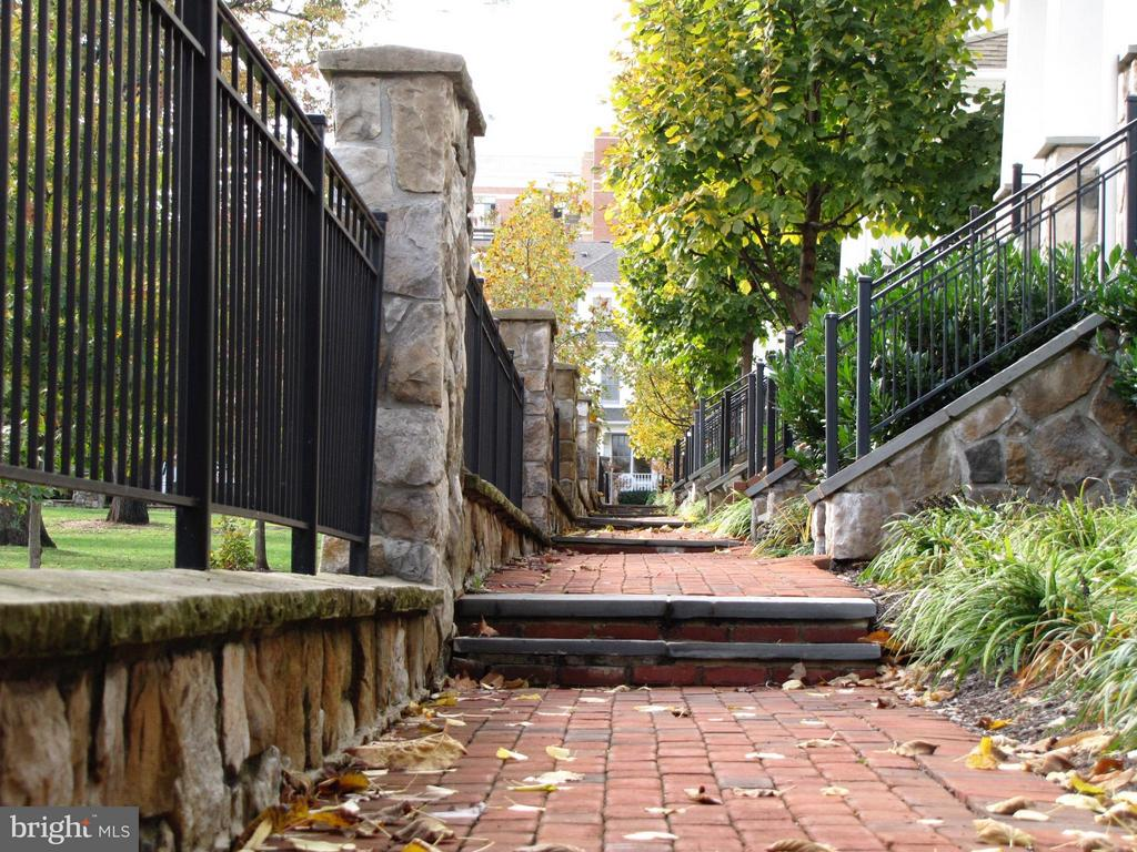 Community Sidewalk w/ Brick Pavers and Stone Walls - 2743 11TH ST N, ARLINGTON
