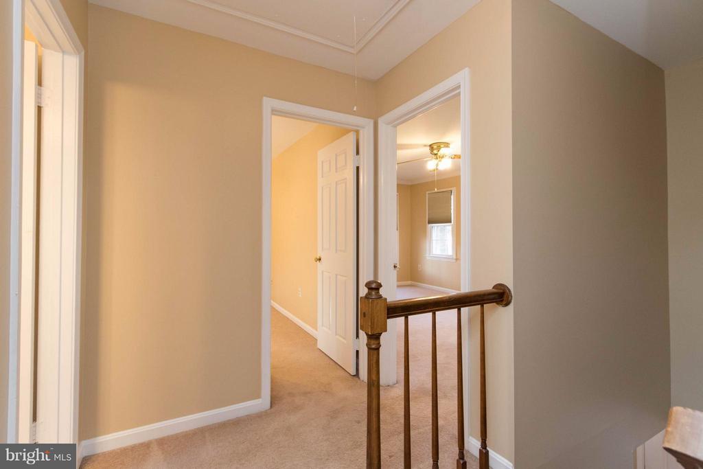 Hallway upstairs - 15261 HYACINTH PL, DUMFRIES