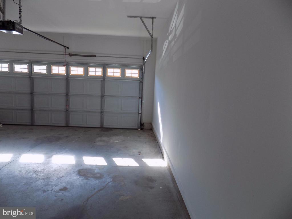 Garage - 93 SMITHFIELD WAY, FREDERICKSBURG
