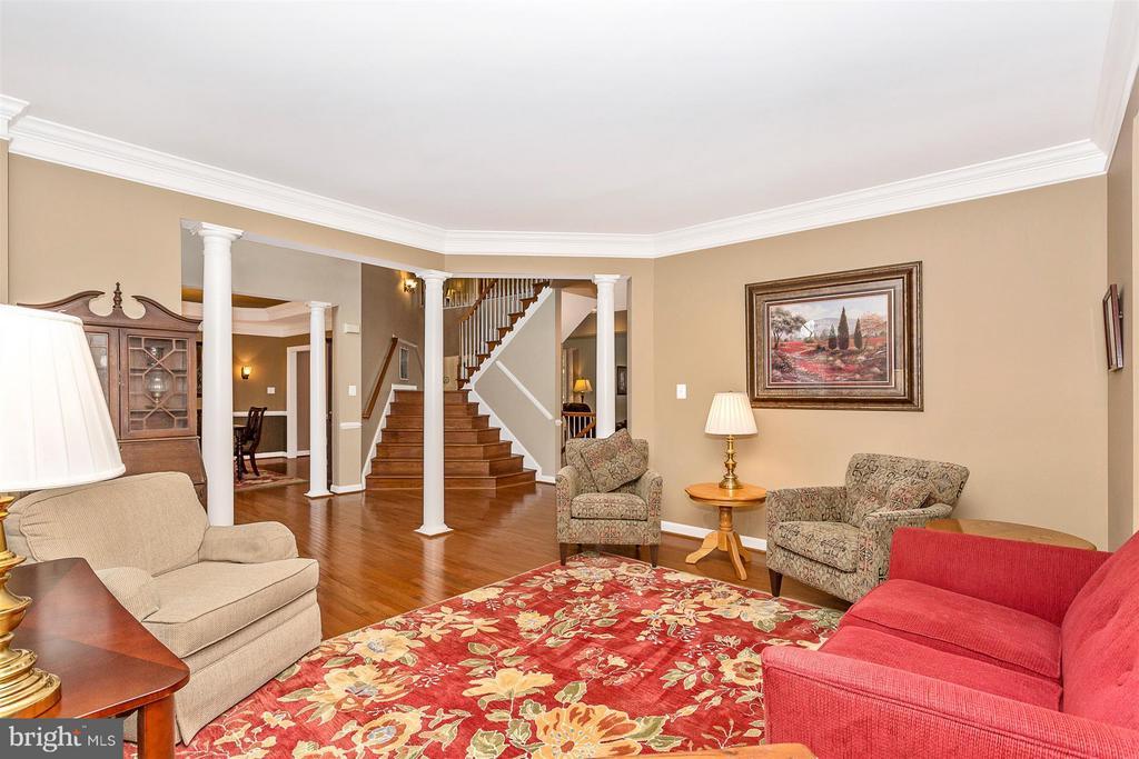Living Room - 10411 WHITEROSE DR, NEW MARKET