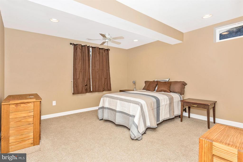 Bedroom 5 - 10411 WHITEROSE DR, NEW MARKET