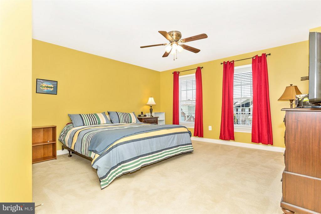 Bedroom 2 - 10411 WHITEROSE DR, NEW MARKET