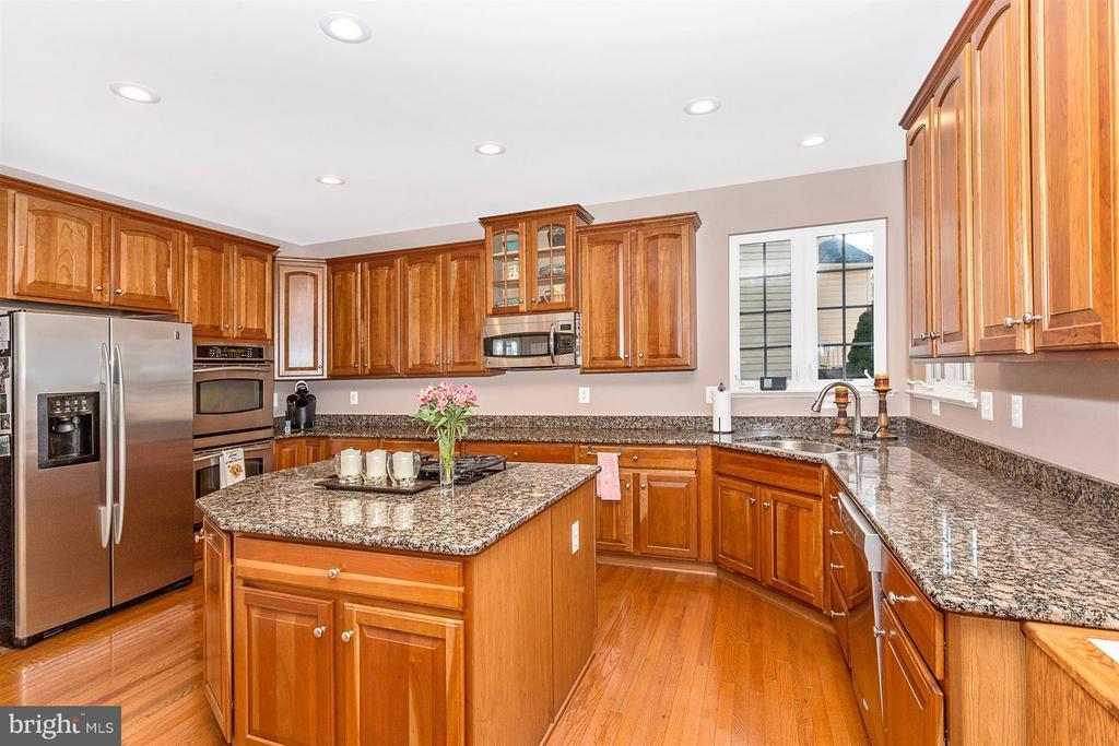 Kitchen - 10411 WHITEROSE DR, NEW MARKET