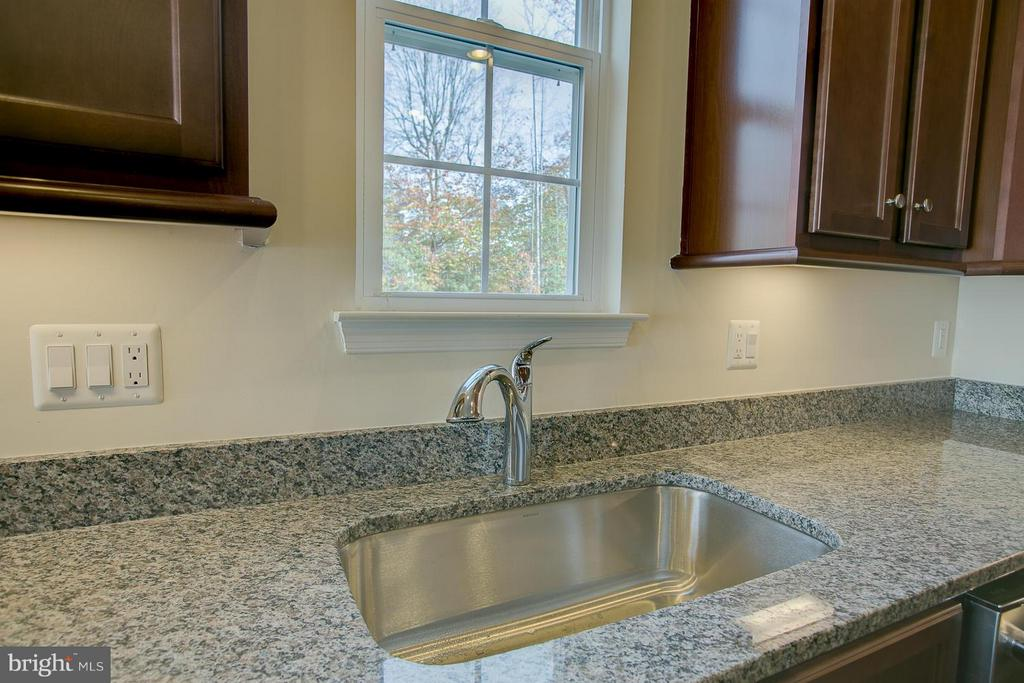 Deep Kitchen Sink - 312 PEAR BLOSSOM RD, STAFFORD