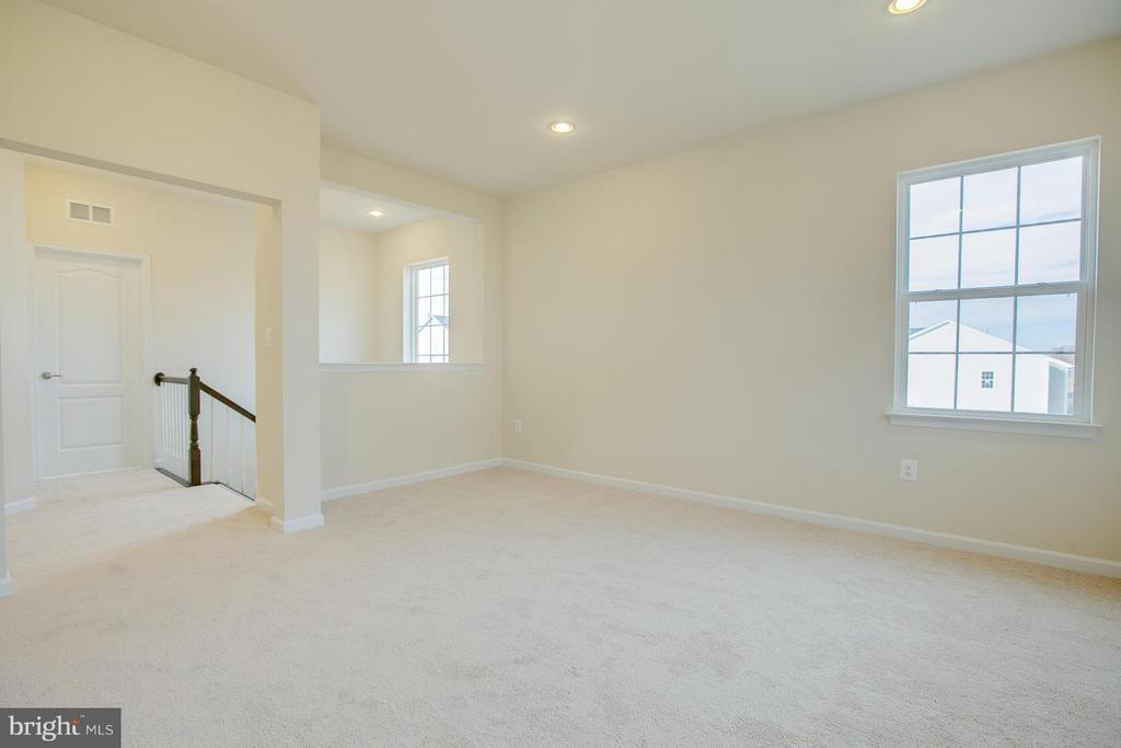 Upper Level Bonus Room - 312 PEAR BLOSSOM RD, STAFFORD