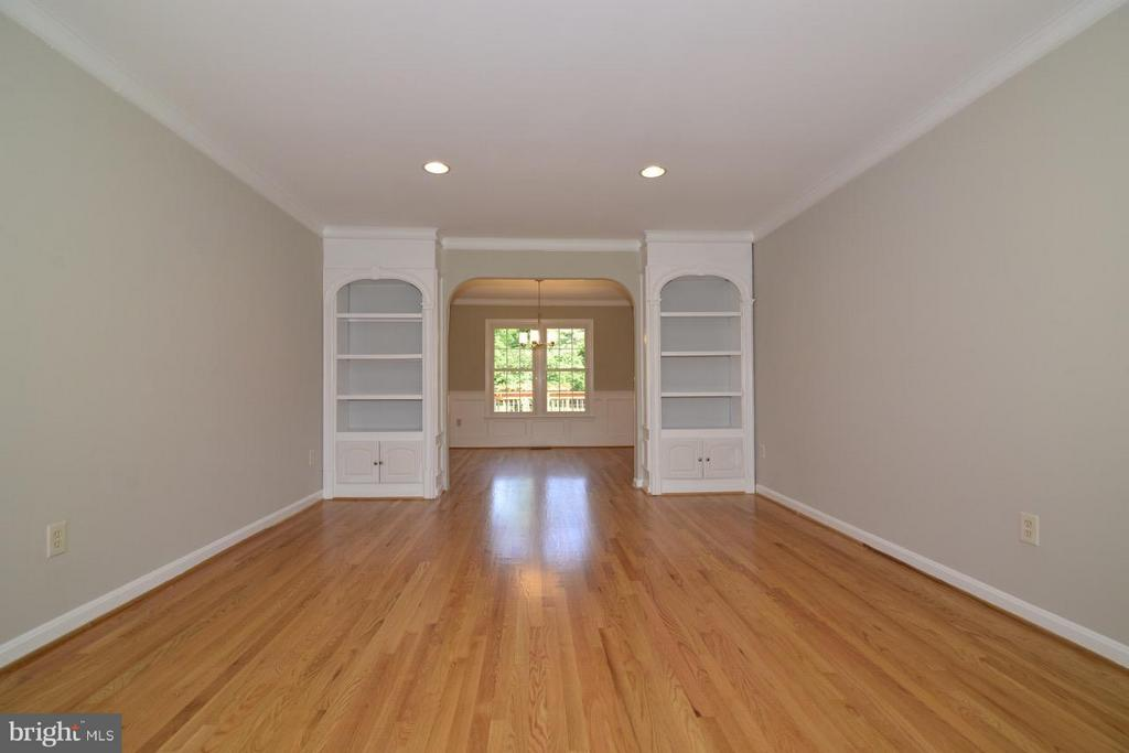 LIVING & DINING ROOMS - 36734 PELHAM CT, PURCELLVILLE