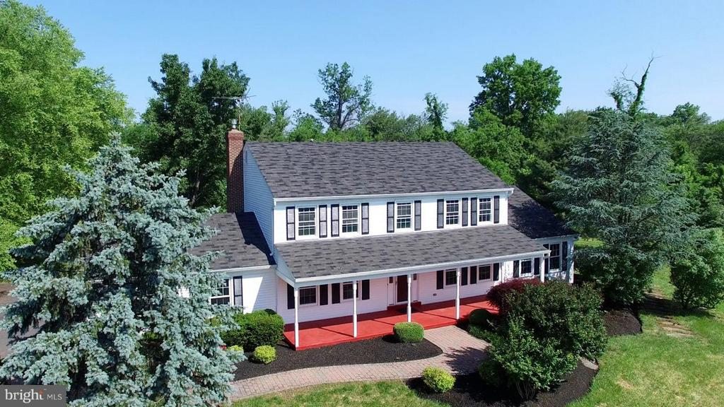 PROFESSIONALLY LANDSCAPED - 36734 PELHAM CT, PURCELLVILLE