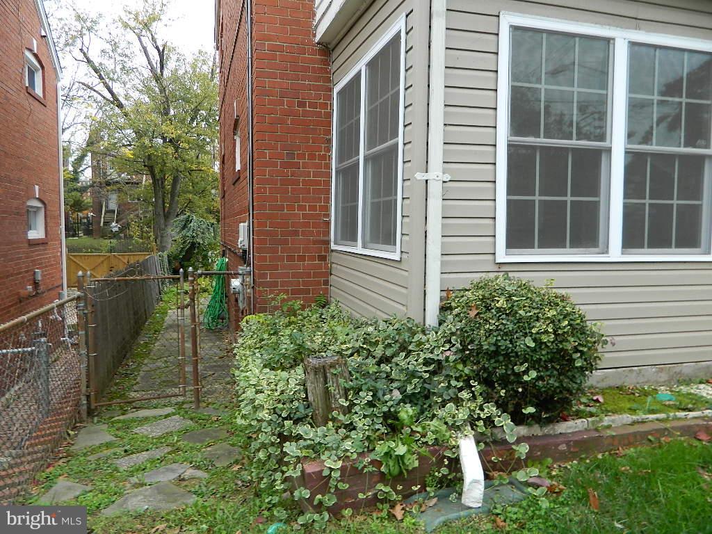 Exterior (Front) - 112 FORRESTER ST SW, WASHINGTON