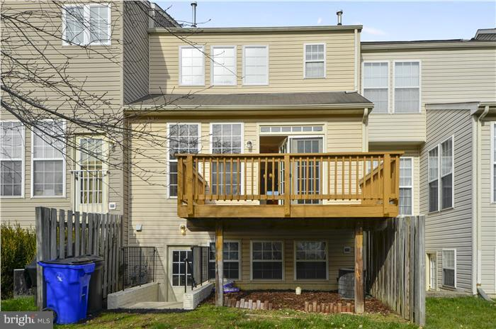 Walk up Stairs - 1 door and 3 windows to back yard - 5507 WESTCOTT CIR, FREDERICK