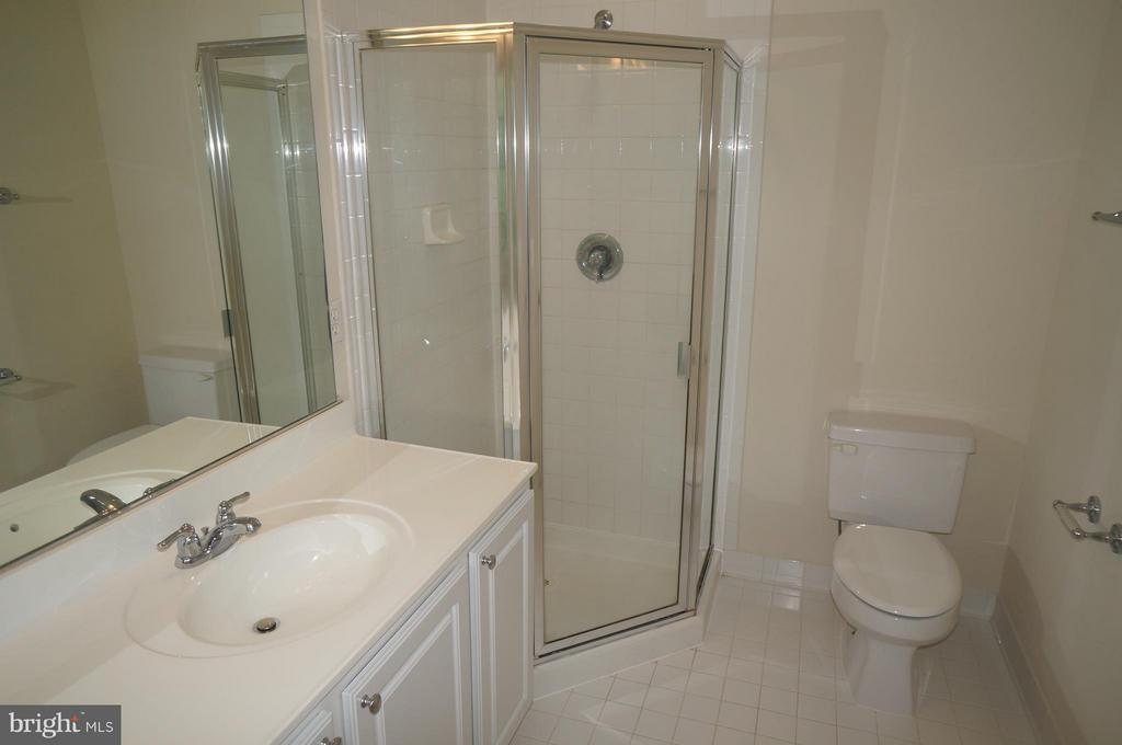 Master Bath (Example) - 847 FAIRVIEW VILLAGE CT #10, CULPEPER
