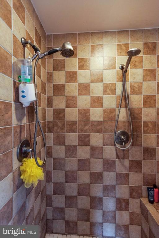 Bath (Master) - 25453 HIGHFIELD RD, CASCADE