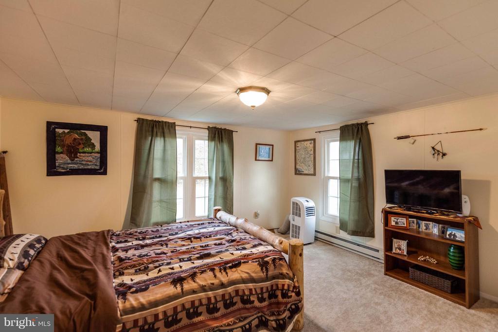 Bedroom - 25453 HIGHFIELD RD, CASCADE