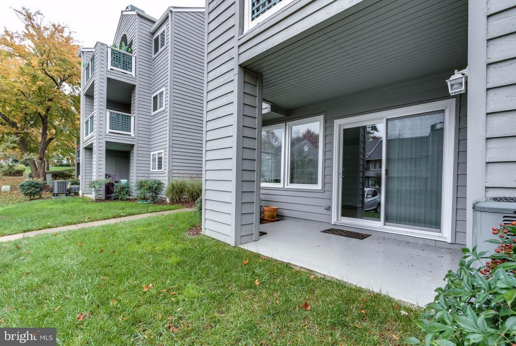 view of the patio - 1506C SUMMERCHASE CT #1506 #C, RESTON
