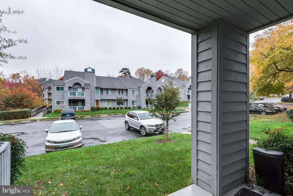 plenty of parking at the rear and front - 1506C SUMMERCHASE CT #1506 #C, RESTON