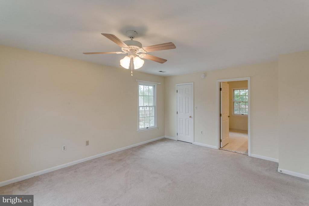 Owner's Suite view to Bath - 1 OAKBROOK CT, STAFFORD