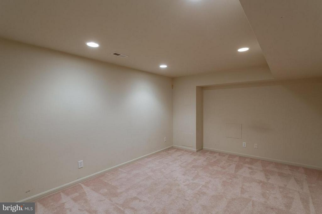 Theater Room, Exercise Room or Man Cave - 1 OAKBROOK CT, STAFFORD