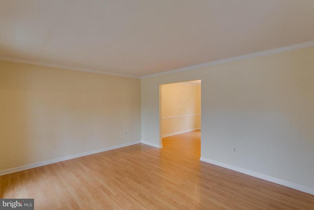 Living Room - 1 OAKBROOK CT, STAFFORD