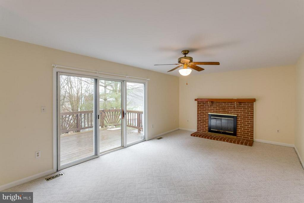 Family Room - 1 OAKBROOK CT, STAFFORD