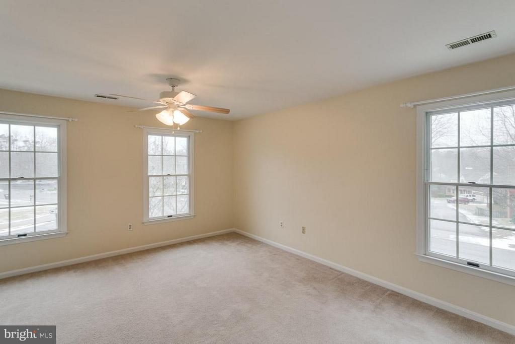 Owner's Suite - 1 OAKBROOK CT, STAFFORD