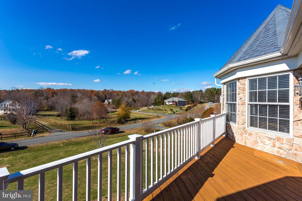 Great for Watching the Sunset - 51 EQUESTRIAN DR, STAFFORD