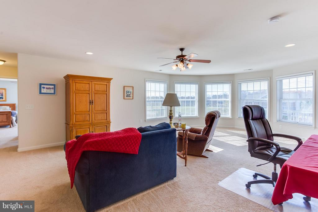 Sitting Room can serve as office, home gym, media - 51 EQUESTRIAN DR, STAFFORD