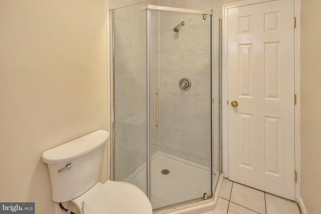 Full Bath Upstairs - 10108 S. FULTON DR, FREDERICKSBURG
