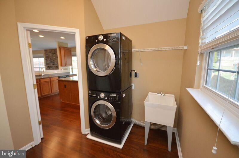 Laundry Room - 405 HEARTWOOD CT, PURCELLVILLE