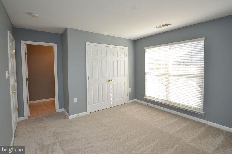 Second Bedroom - 405 HEARTWOOD CT, PURCELLVILLE